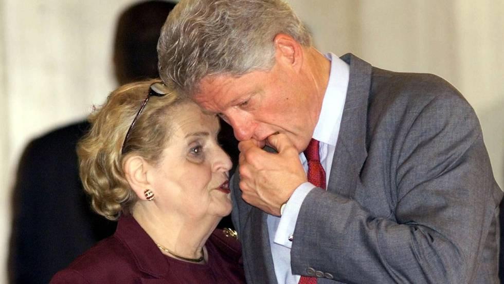 Madeleine Albright e Bill Clinton, durante a reunião de Sharm el-Sheikh (Egito) de 2000 sobre a situação em Israel e na Palestina.