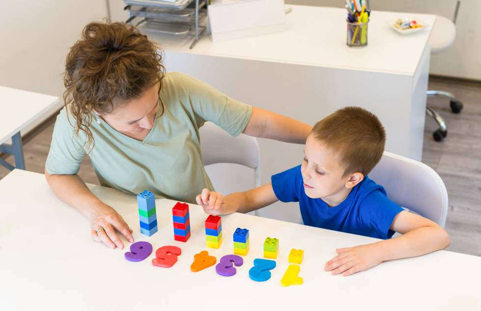Los niños que ven cómo sus padres utilizan las matemáticas en la vida diaria practican con más frecuencia actividades relacionadas con ellas.