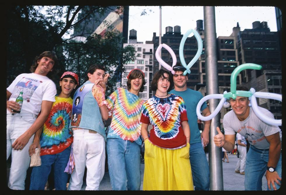 Los admiradores de Grateful Dead llevan cinco décadas agotando las reservas internacionales de ropa 'tie-dye'.