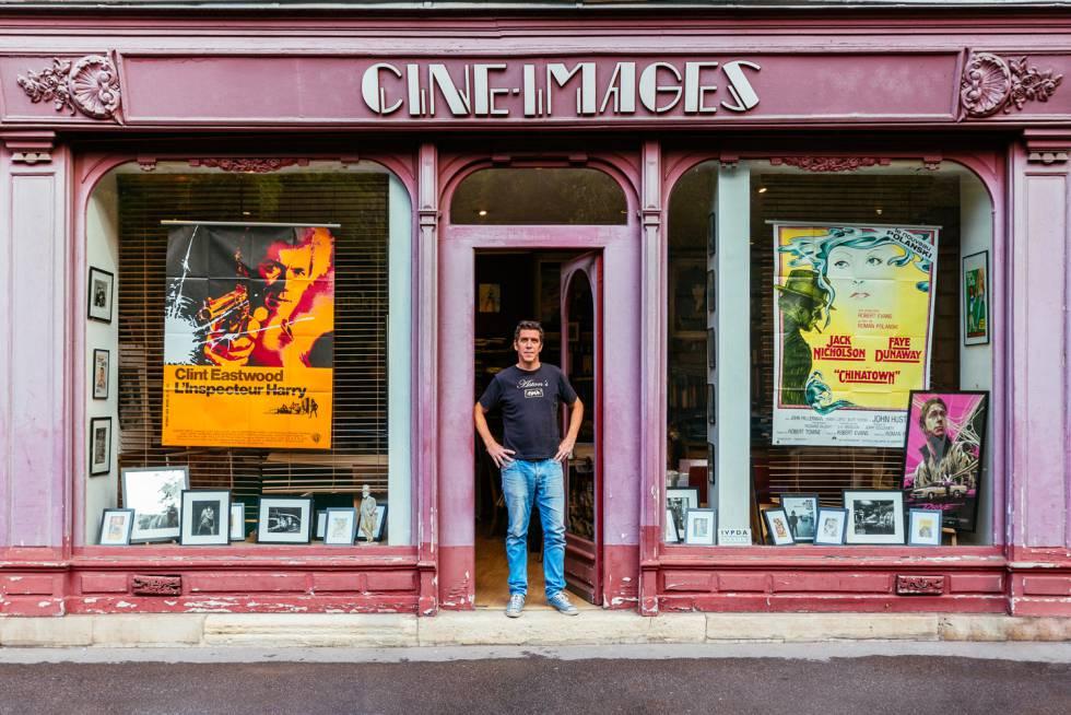 Alexandre Boyer gestiona la tienda más antigua de Europa dedicada a los póster de cine.