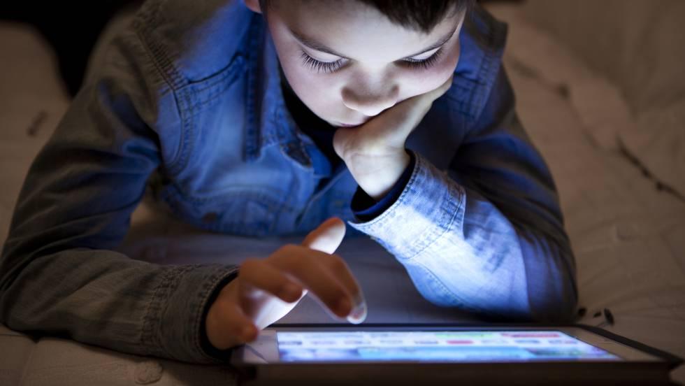 Abusar de las pantallas lastra la inteligencia de los niños