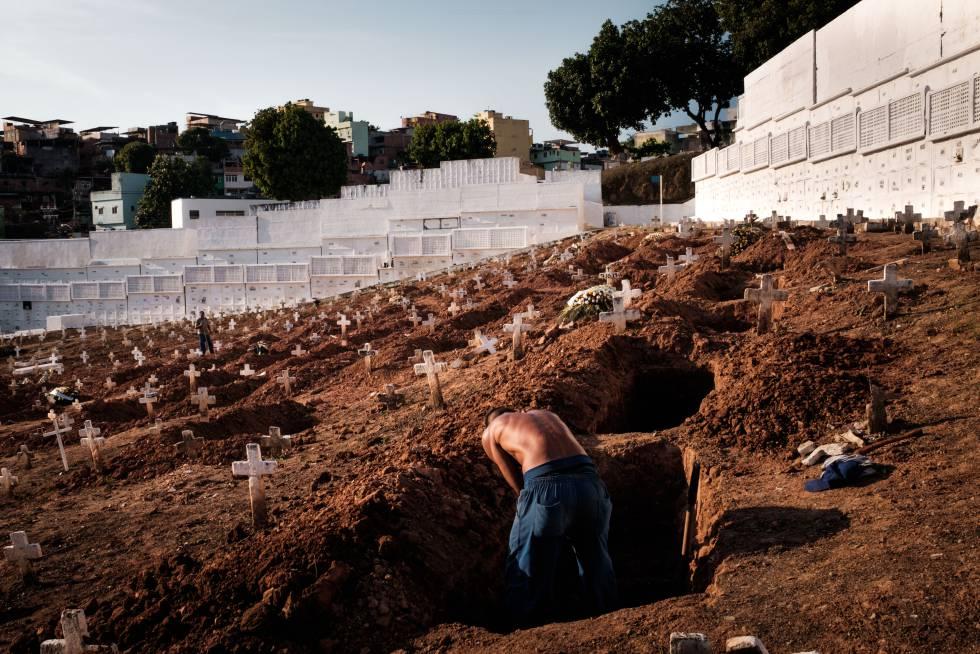 Soledad. Cementerio de Pechincha, tumbas de indigentes, Río de Janeiro
