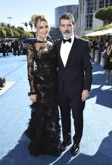 Nicole Kimpel y Antonio Banderas en los Premios Emmy, en Los Ángeles, el pasado 17 de septiembre.