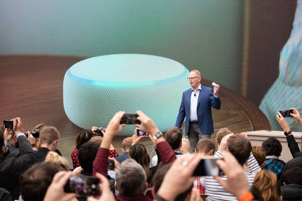 Dave Limp, vicepresidente de Amazon, en la presentación de nuevos productos y servicios basados en inteligencia artificial, el 20 de septiembre de 2018 en Seattle.