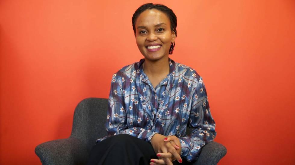 Sifa Kaite, coordinadora de Protección de la Infancia en los campos de refugiados de Chad del Servicio Jesuita de Ayuda a Refugiados y Entreculturas, posa en la sede de la ONG en Madrid.