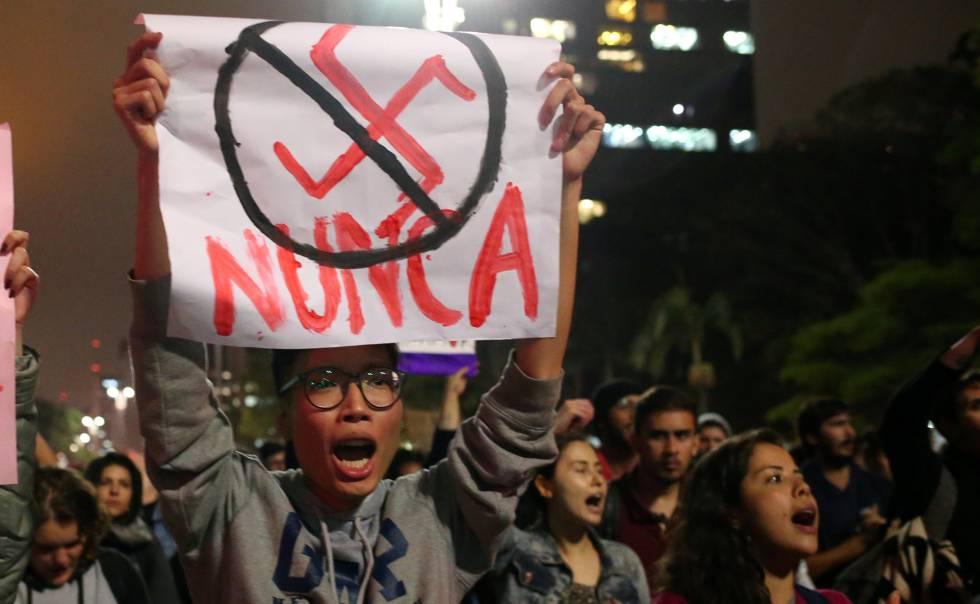 Manifestação contra o candidato de extrema-direita Jair Bolsonaro.