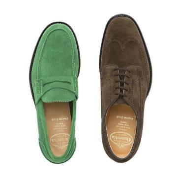 Gustos, colores. Church's fabrica modelos audaces, como el Pembrey en verde (izda.), y tranquilos, como el Thickwood, de cordones.