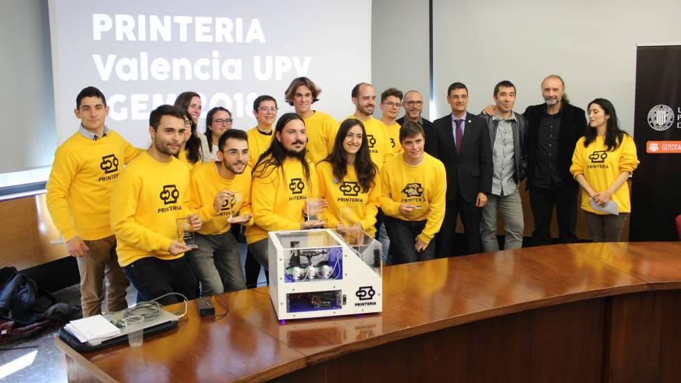 Jóvenes valencianos crean una máquina que puede imprimir en el ADN de una bacteria