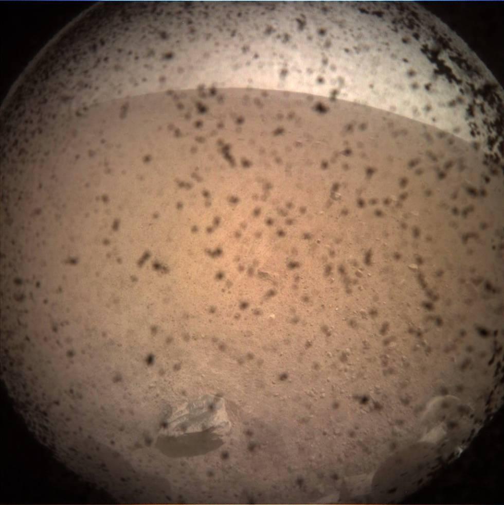 Primera imagen de Marte enviada por 'Insight'.