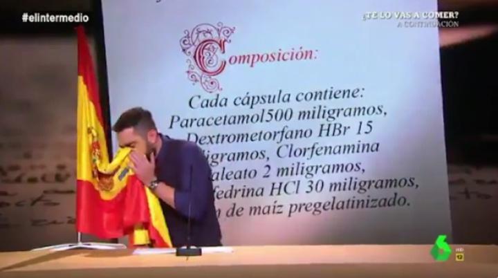Sambil Melucu, Komedian ini Lap Hidung Pakai Bendera: Kini Terancam Penjara