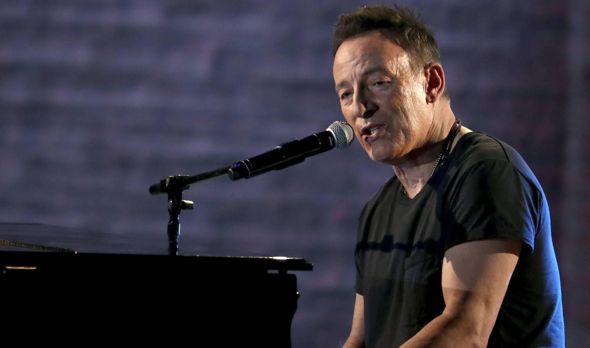 """Bruce Springsteen lleva medicándose desde 1982 para mantenerse """"en equilibrio"""""""