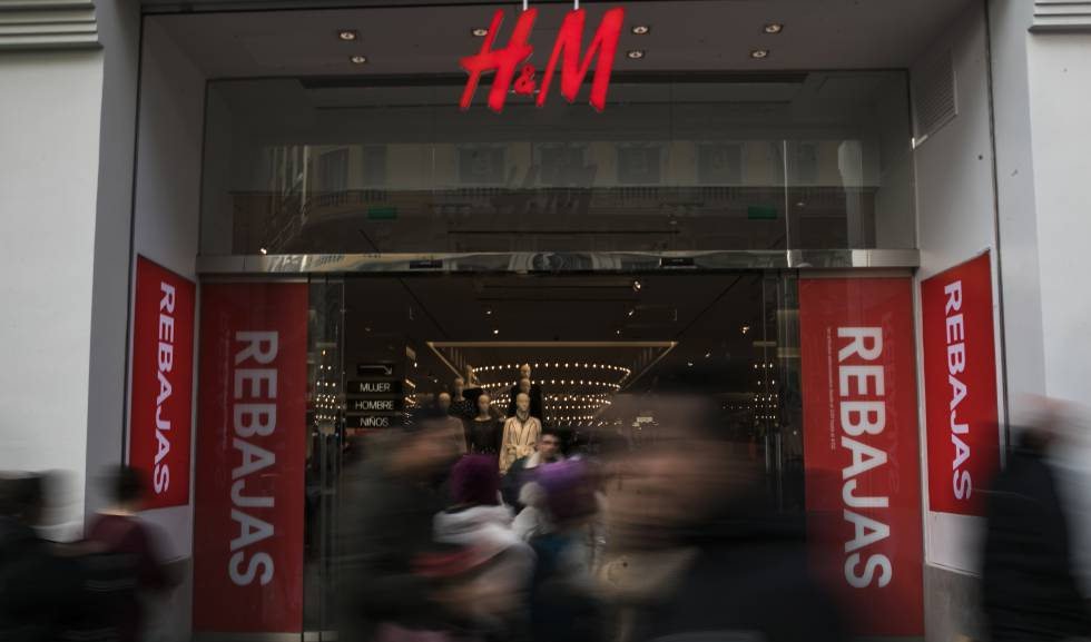 Tienda de H&M durante las rebajas, el pasado enero.