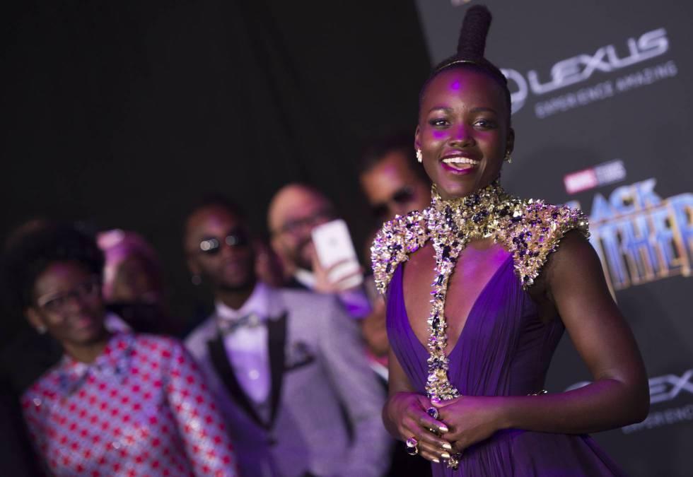 Lupita Nyong'o, en el estreno de 'Black Panther' en Los Ángeles.