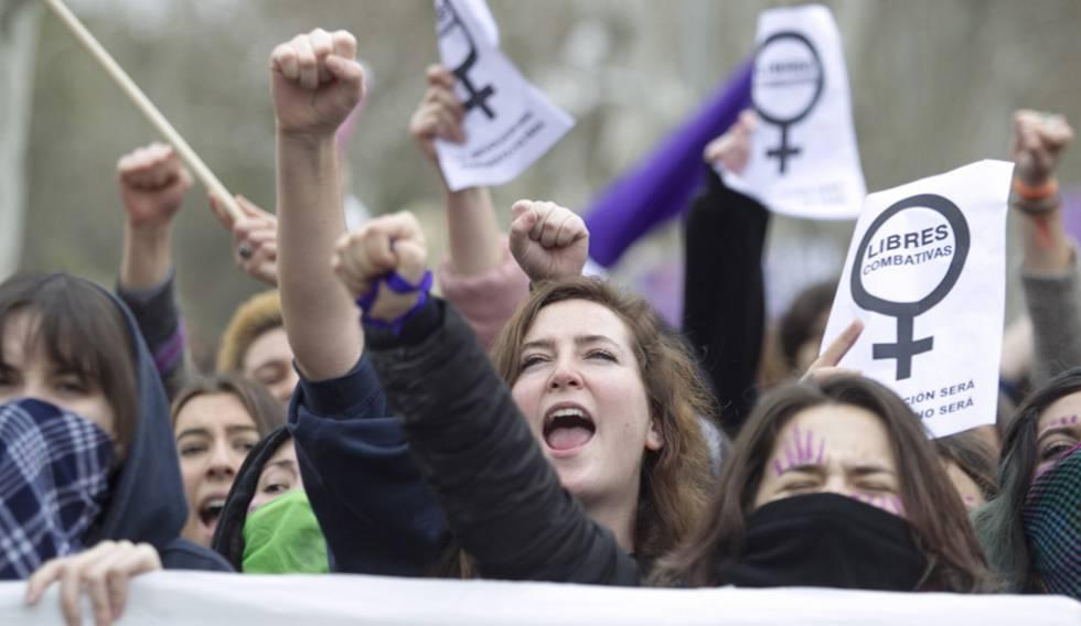 Um grupo de mulheres durante a greve feminista de 8 de março.