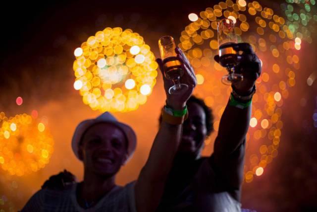 e54e8844a Nochevieja  un brindis mundial por el año nuevo