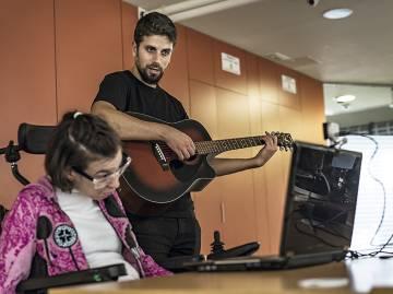 El 'software' que permite a personas con discapacidad cerebral hacer música