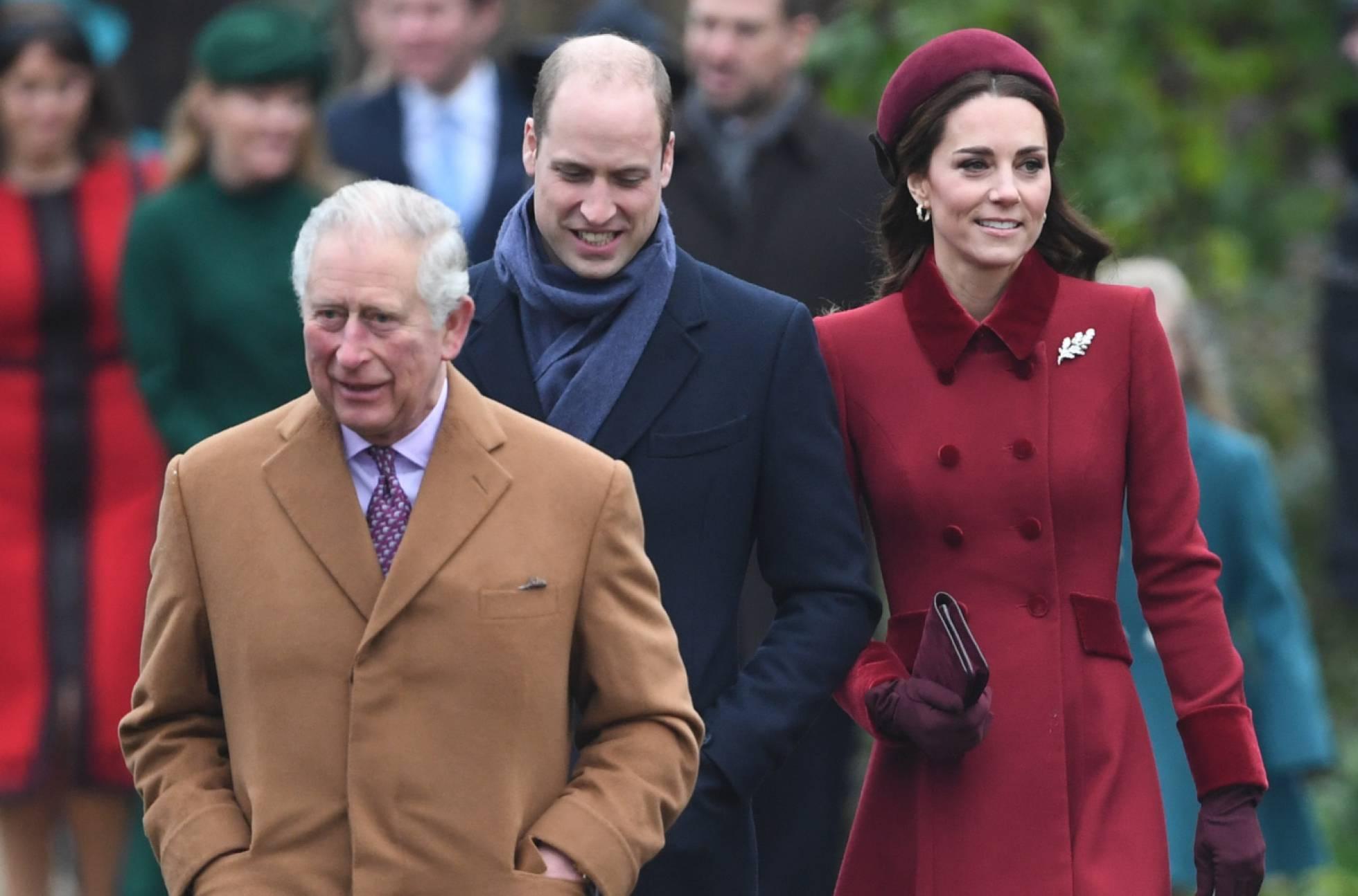 La mitad de los británicos quiere que Guillermo herede el trono de Isabel II