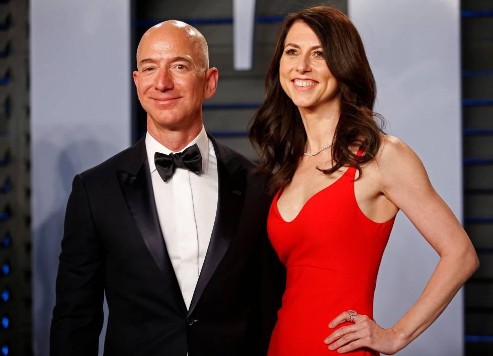 Jeff y MacKenzie Bezos en la fiesta de Vanity Fair tras los Oscar de 2018.