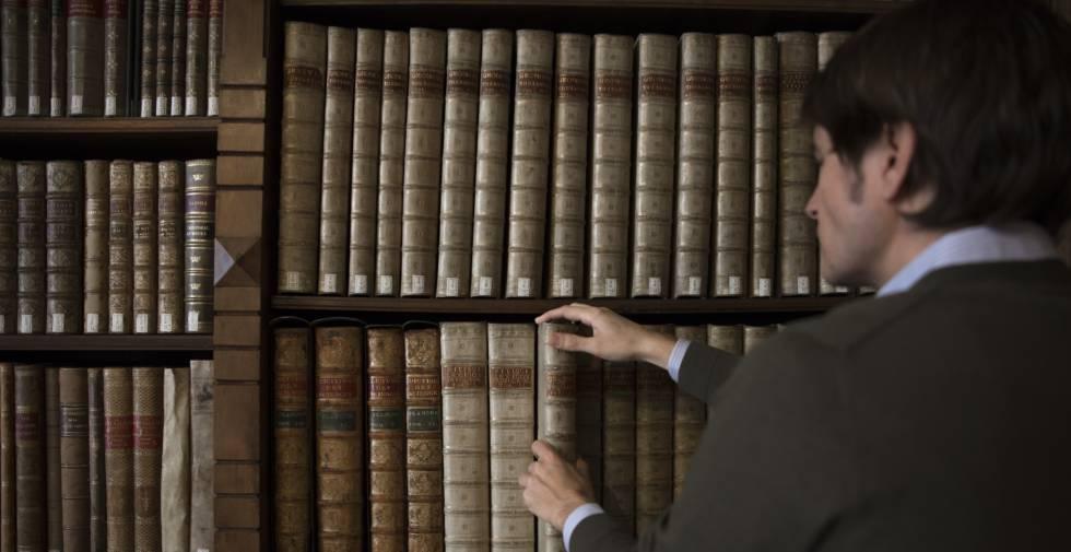 La biblioteca de la sede de la Real Academia Española. rn