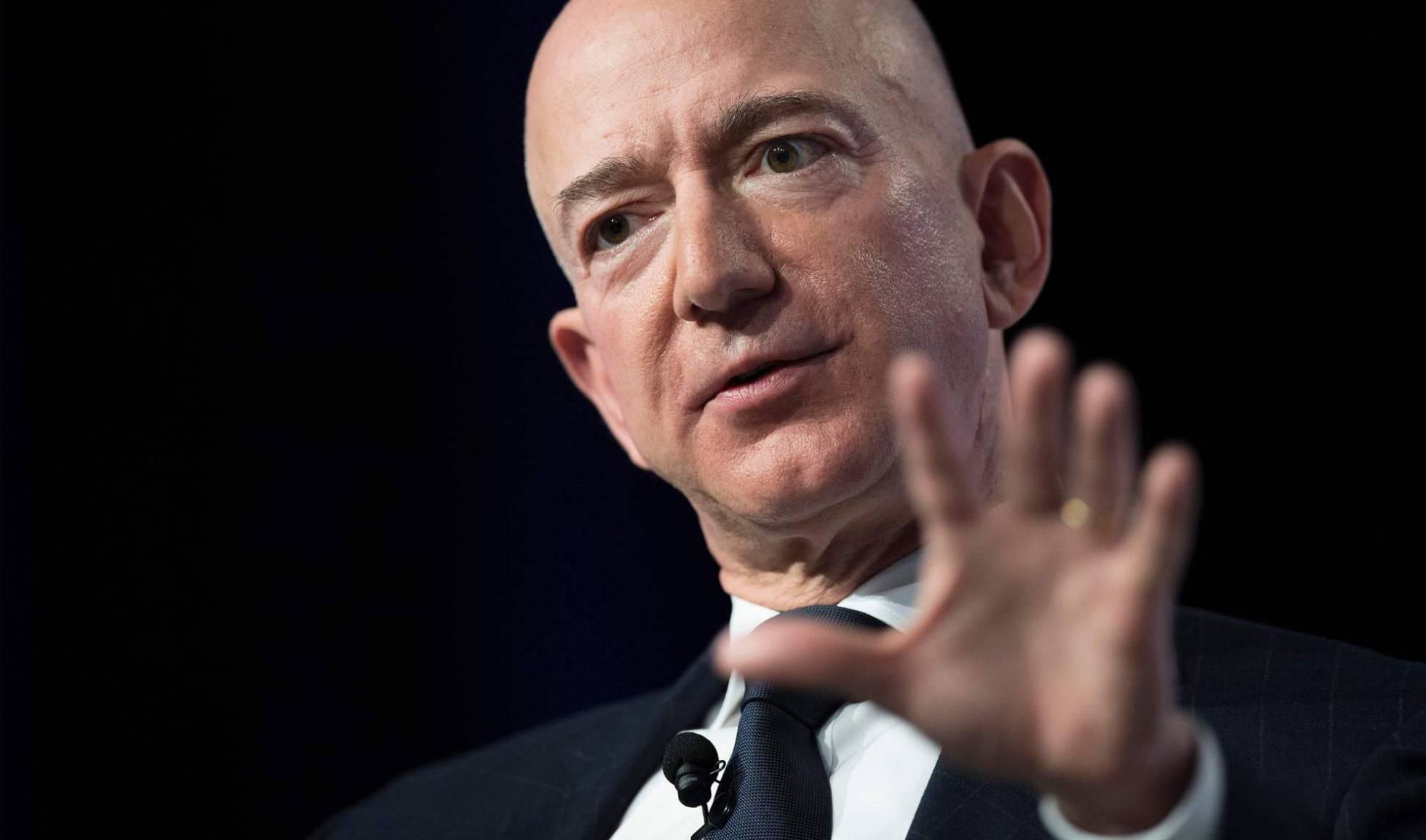 La vida pública de Bezos acaba con su vida privada