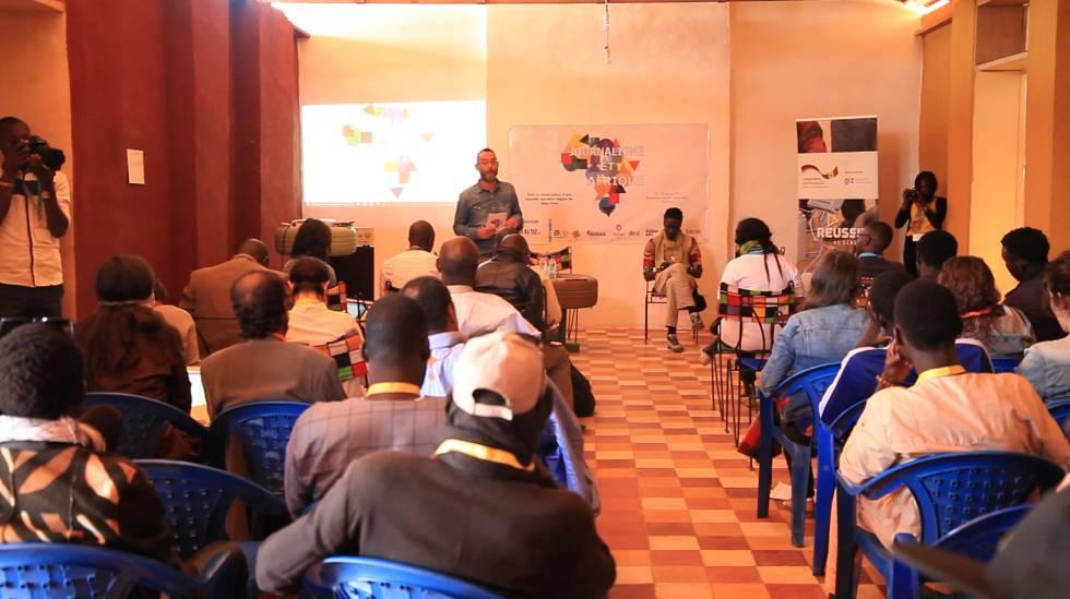 Inauguración del encuentro Periodismo y África en Gandiol, Senegal.