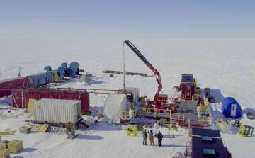 Maquinaria de perforación del hielo.