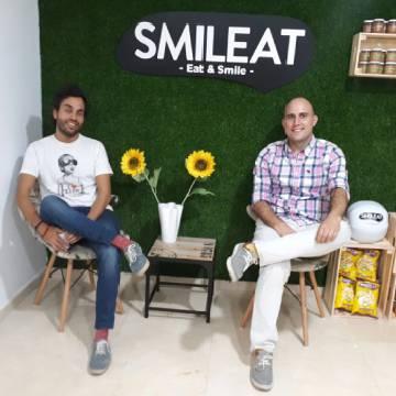 Alberto Jiménez, a la izquierda, y Javier Quintana, a la derecha, fundadores de la 'startup' Smileat.