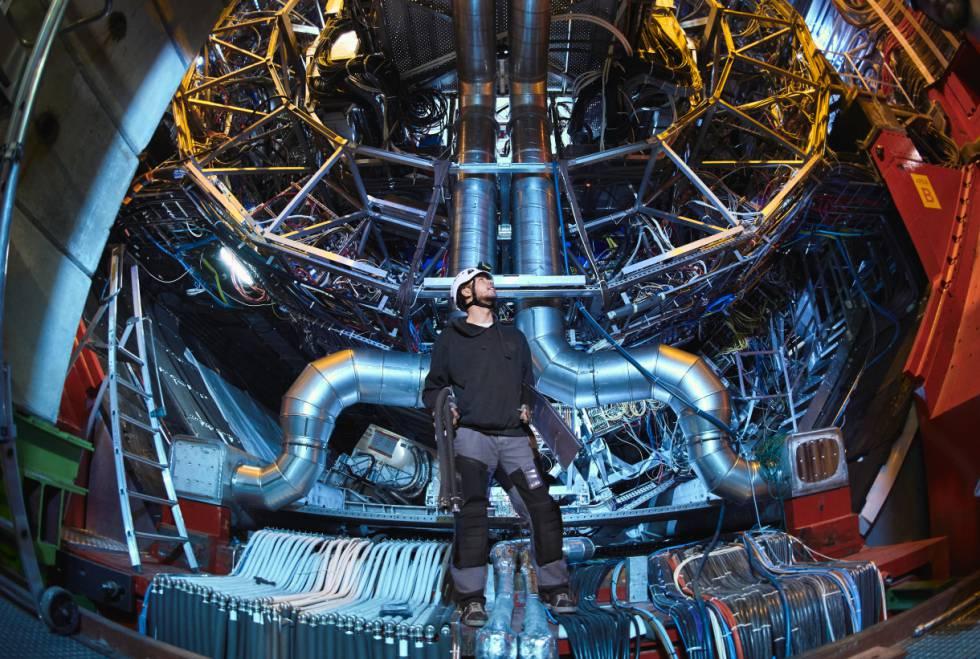 Resultado de imagen de China quiere construir un acelerador de partículas de 100 kilómetros de circunferencia