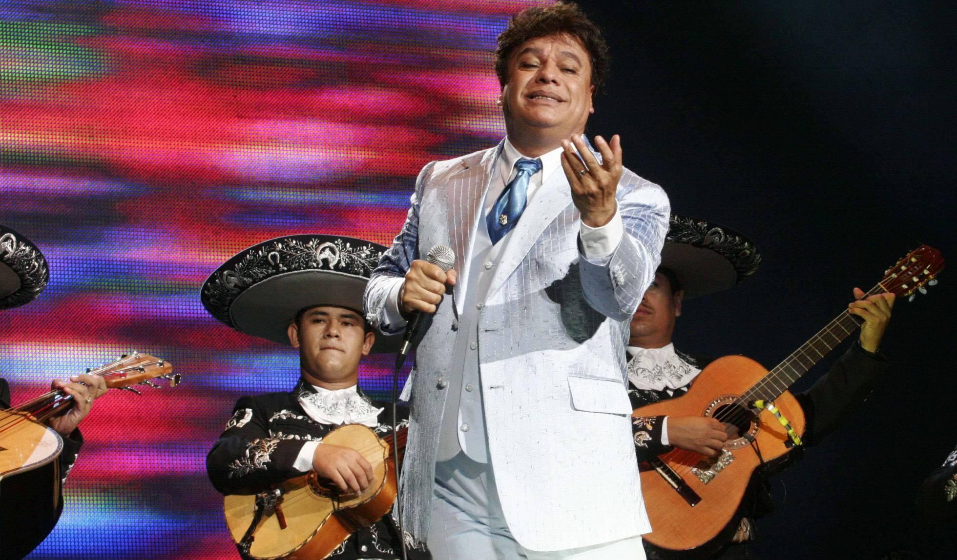Juan Gabriel se convierte en el nuevo Elvis Presley