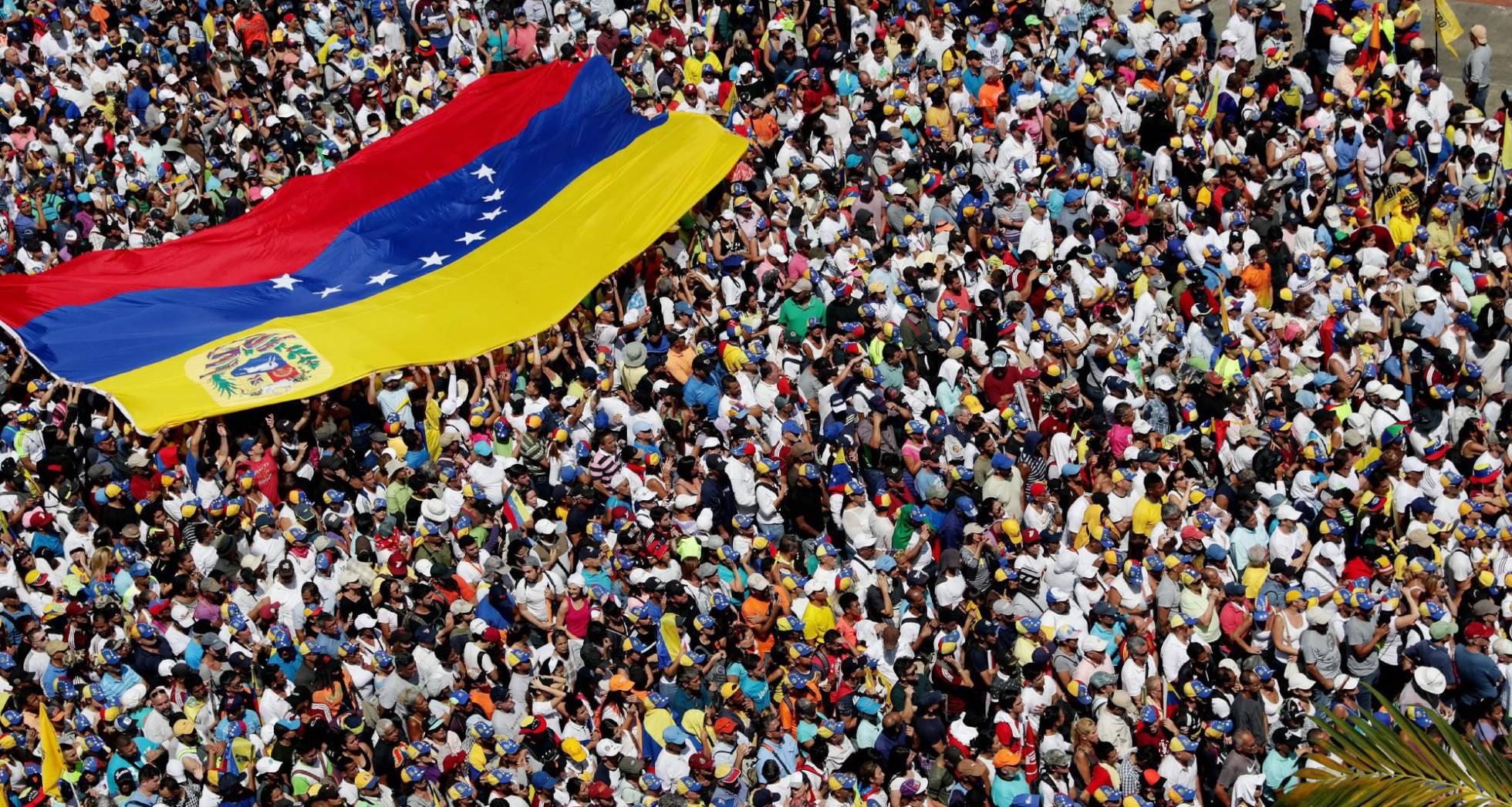 Opositores venezolanos durante la manifestación en Caracas.