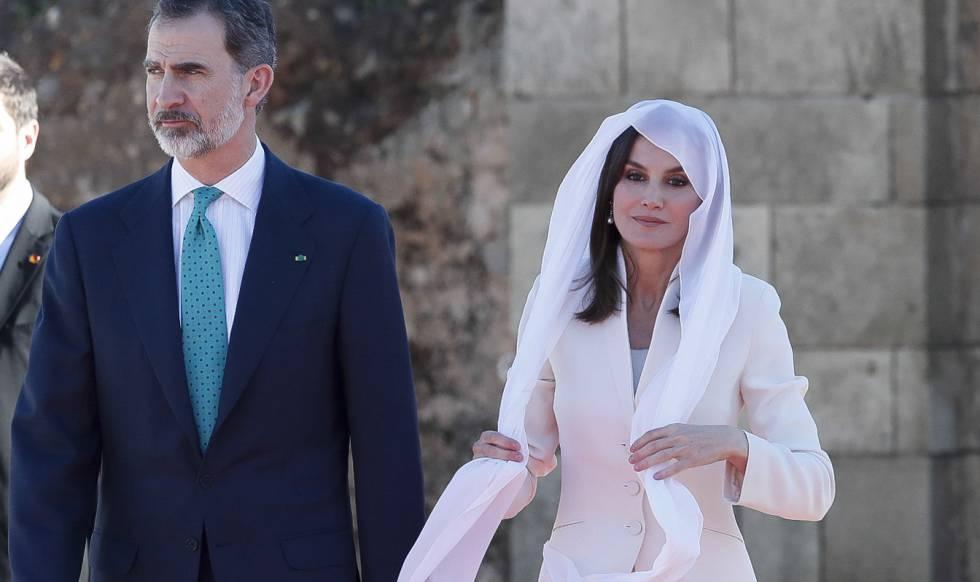 Felipe VI y Letizia, en la visita al Mausoleo de Mohamed V, en Rabat.