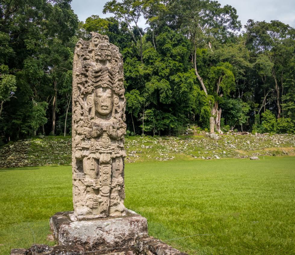 Una de las estelas de la ciudad maya de Copán, en Honduras.