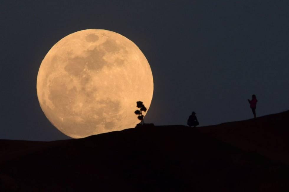 Superluna febrero 2019