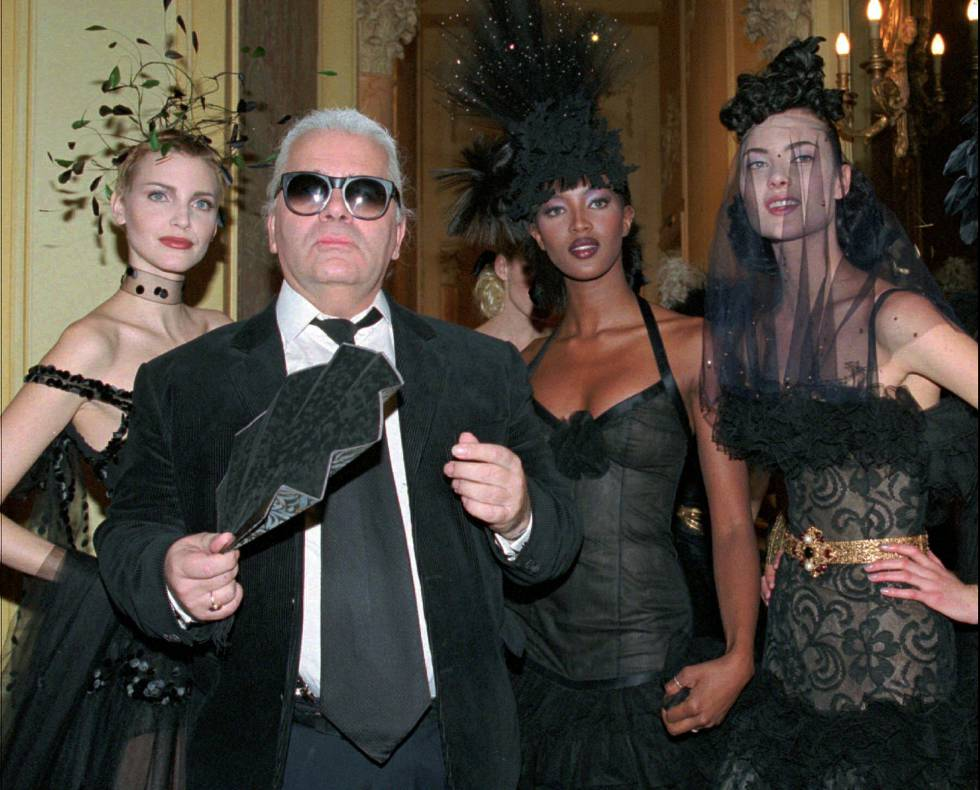 Karl Lagerfeld, con Nadja Auermann y Naomi Campbell.