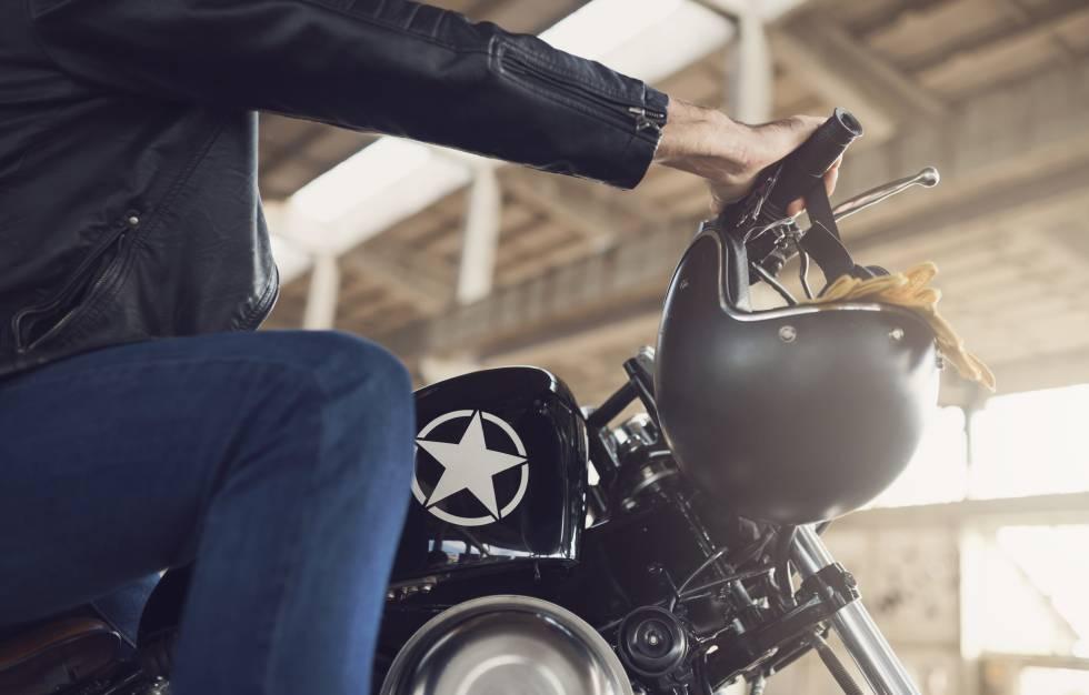 5486fa8b7ef 15 prendas y accesorios para cuidar la moto y conducir con seguridad ...