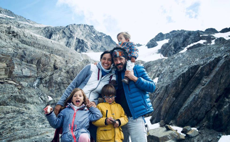 'Los Mundo', en el glaciar Martial, en enero.