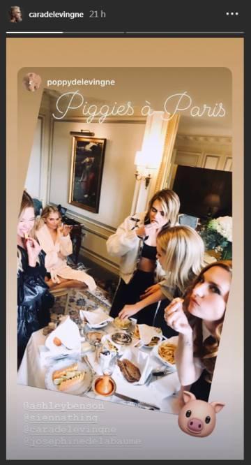 Ashley Benson, Cara Delevingne y Poppy Delevingne, entre otras, en un hotel en París.
