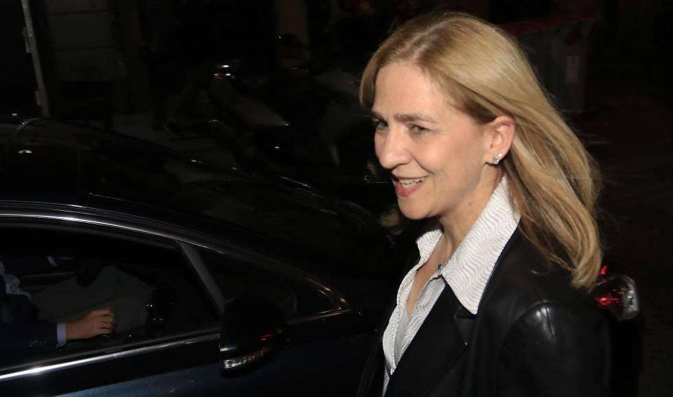 Cristina de Borbon durante una visita a Madrid el pasado mes de octubre donde acudió con su hija a ver un musical.