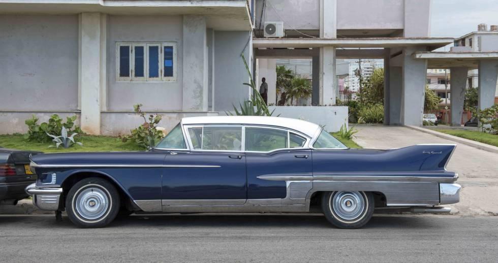 Cadillac 1958 Sixty Special que perteneció a Benny Moré y que hoy es del músico José Luis Cortés.