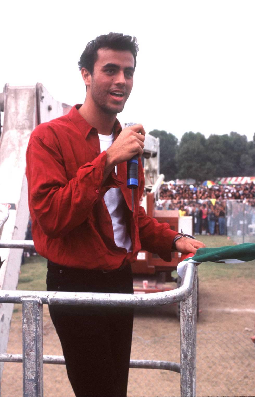 Enrique Iglesias durante un concieto en México en 1996.