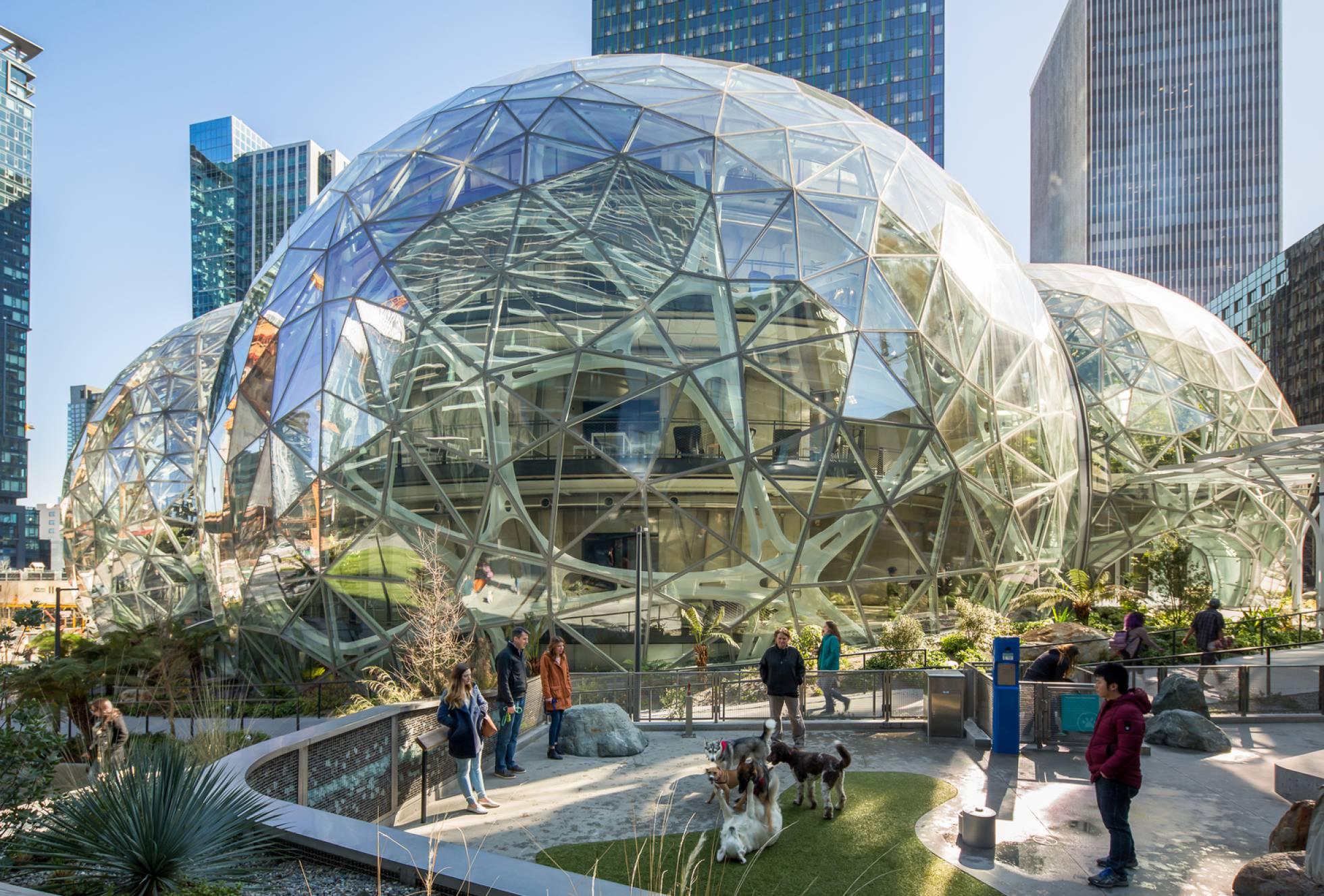 Burbujas, espejos y ondas: así son los mejores proyectos inmobiliarios del año