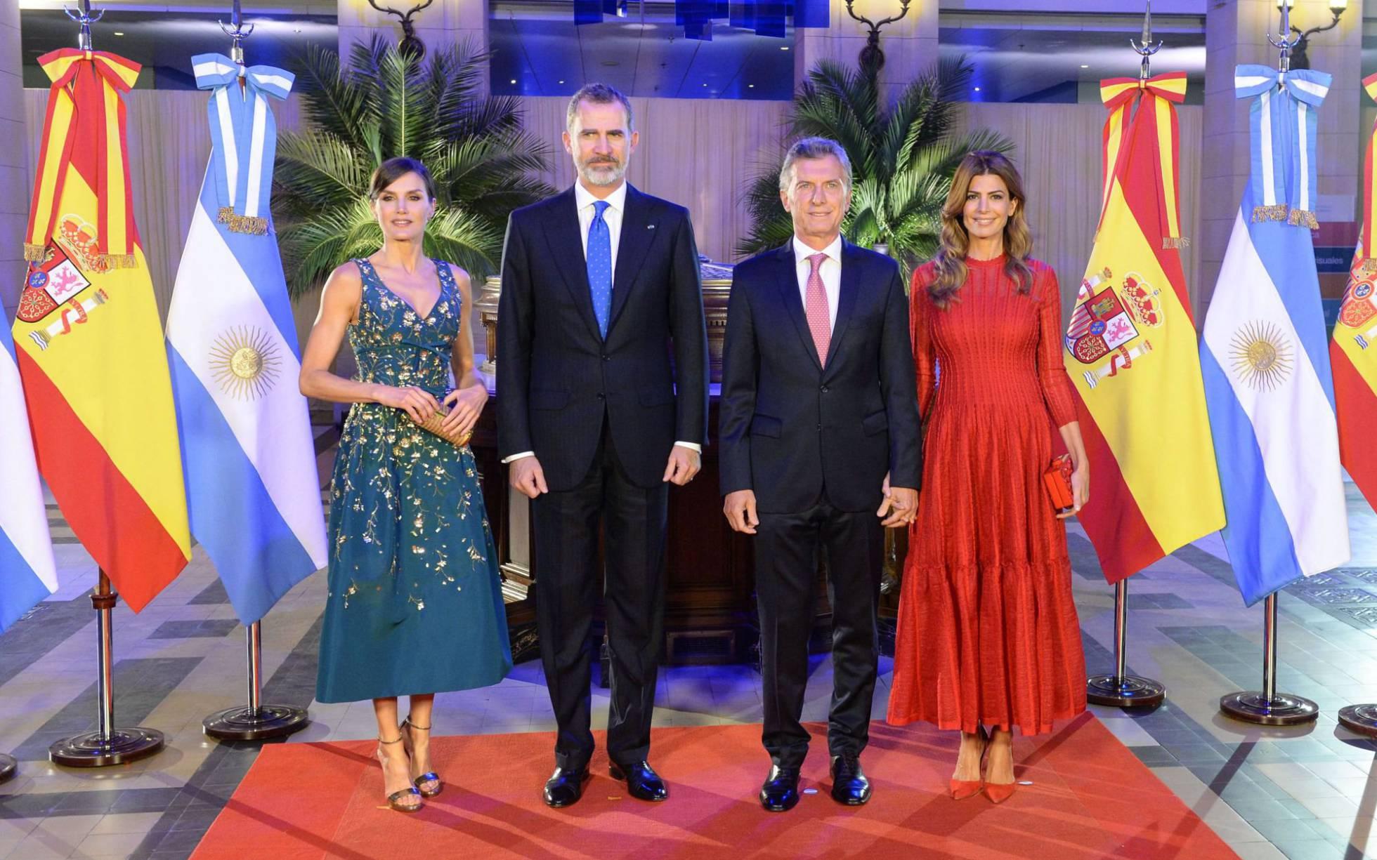 Fotos Los Reyes Con Valeria Mazza Vargas Llosa Y Pimpinela En Argentina Gente Y Famosos El País