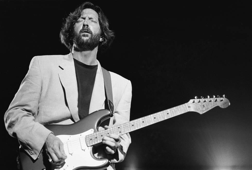 Eric Clapton durante un concierto en la época en la que compuso 'Tears in heaven'.