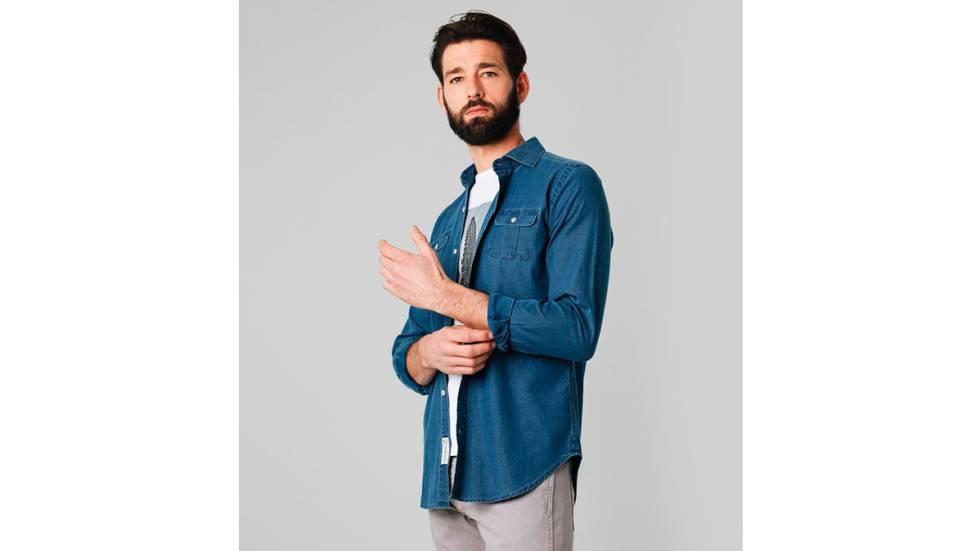 1529a52842 Camisas de hombre para renovar el fondo de armario de cara a la nueva  temporada