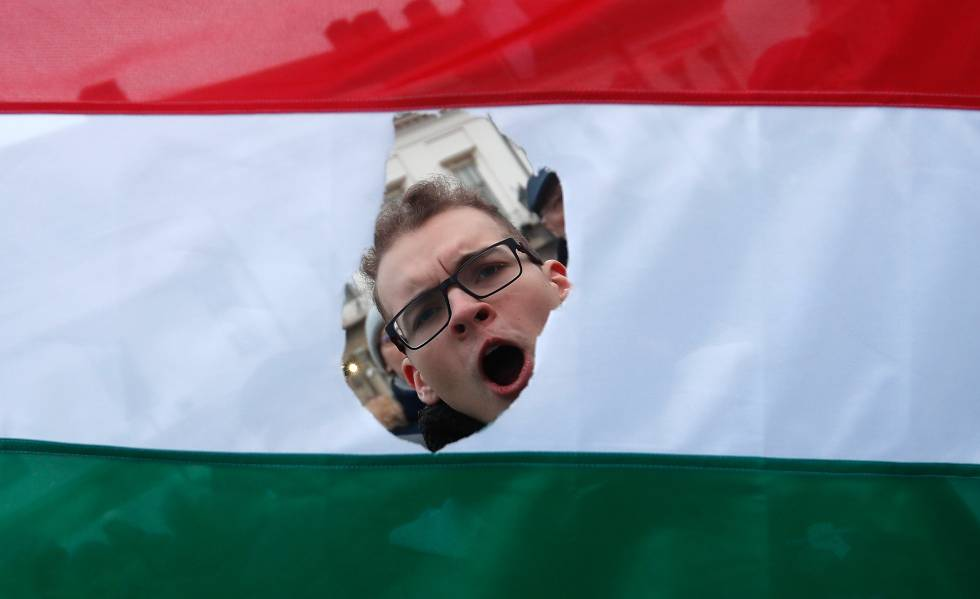 Protestos em Budapeste contra o Governo de Orbán, em fevereiro