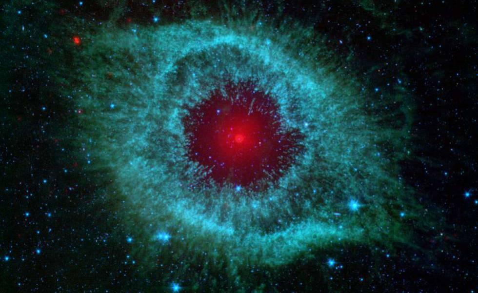 Imagen de la nebulosa Helix captada por el telescopio espacial infrarrojo, Spitzer.
