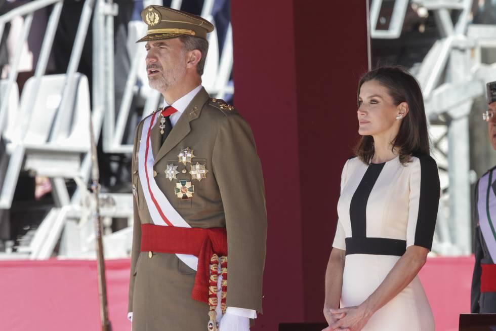 Los Reyes de España en el 175 aniversario de la Guardia Civil.