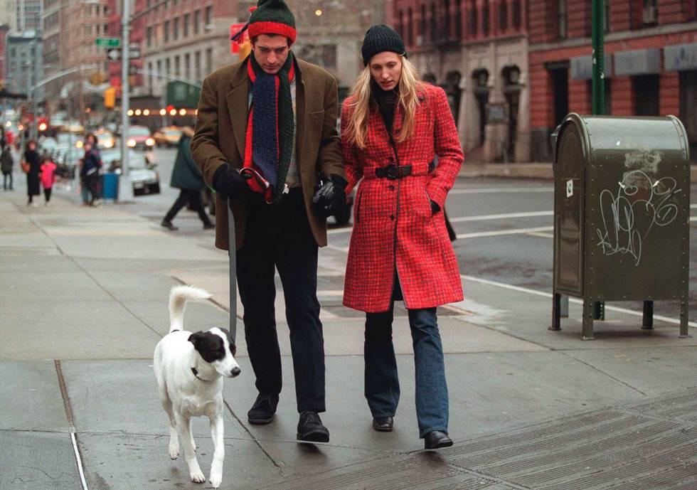 John F. Kennedy Jr. y su esposa Carolyn Bessette en Nueva York en enero de 1997.