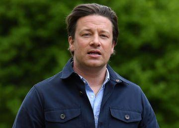 """4e315ab84 Jamie Oliver afirma estar """"destrozado"""" en la carta que ha escrito a sus  empleados"""