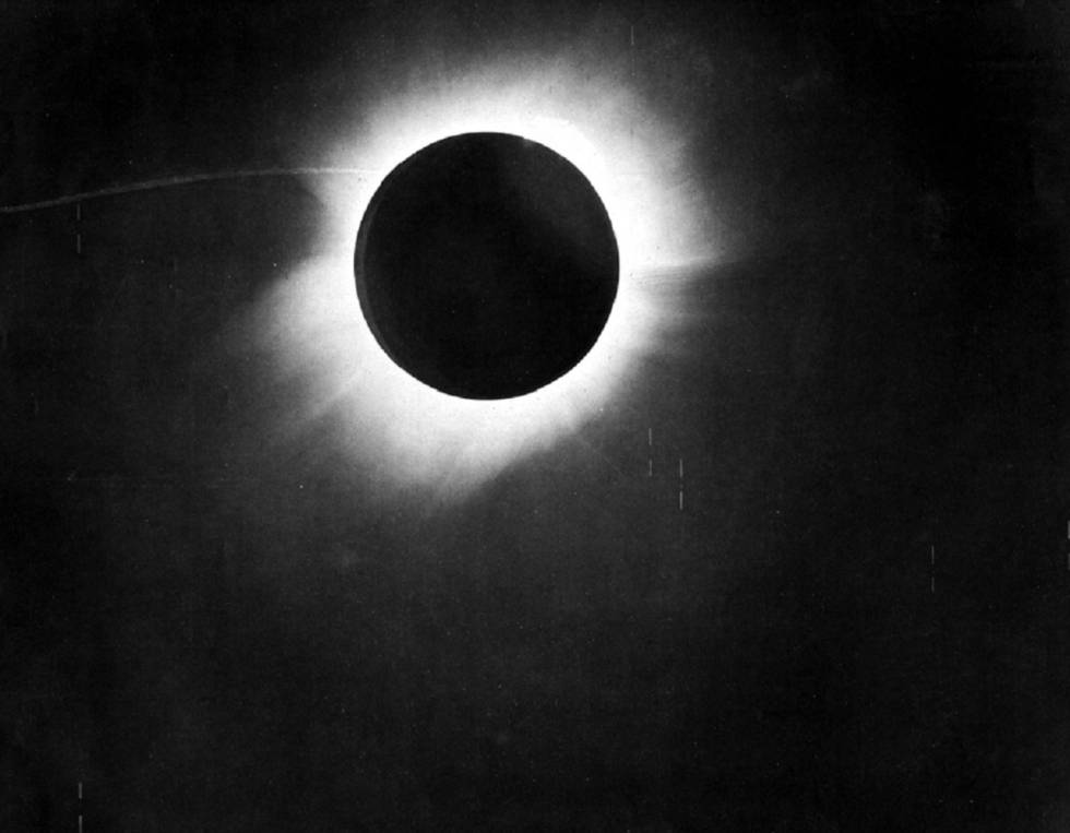 Imagen del eclipse solar del 29 de mayo de 1919 tomada desde Brasil.